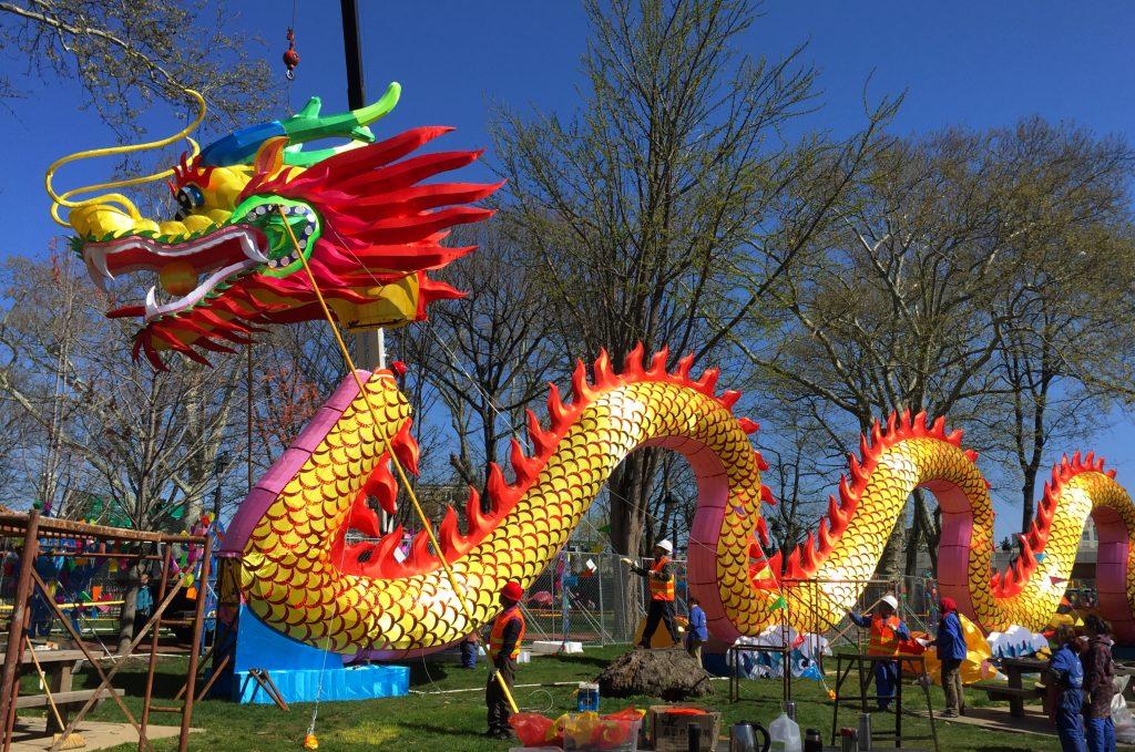dragon-lantern-head-installation