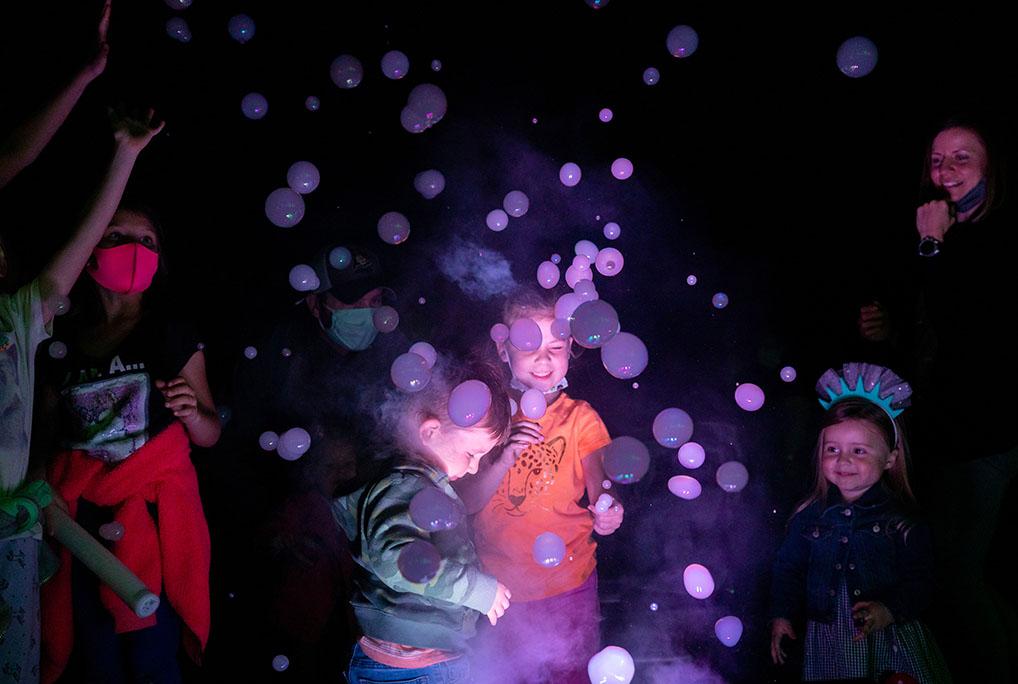 Interactive Smoke Bubble Tree Chinese Lantern