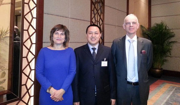 Director Mr. Zhu with Minister of Economy of Netherlands